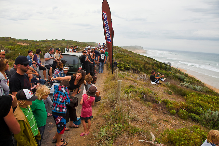 """THIRTEENTH BEACH, Victoria/Australia (Tuesday, April 6, 2010) - The Rip Curl Pro Bells Beach relocated to nearby Thirteenth Beach for Round 2 of competition which commenced at 9am today..Stop No. 2 of 10 on the 2010 ASP World Tour, the Rip Curl Pro completed the opening round of competition over the weekend at the primary site of Bells Beach. However, with small surf on offer at Bells and lack of contestable banks available at the secondary site of Johanna, event organizers have arranged to run today in the punchy two-to-three foot (1 metre) peaks of Thirteenth Beach..""""We've seen a slight increase in surf throughout the morning and we'll be commencing competition at 9am,"""" Damien Hardman, Rip Curl Pro Contest Director, said. """"It's not ideal, but it looks like it will be our best opportunity to run and we're hoping conditions improve throughout the day."""".First up this morning was Bede Durbidge (AUS), 27, who defeated wildcard Stuart Kennedy (AUS), 20. The upsets of the round were the elimination of the Hobgood brothers CJ and Damien..CJ lot to Brazilian wildcard Gabriel Medina while Neco Padaratz (BRA) defeated Damien..Dane Rynolds (USA) and Jordy Smith (ZAF) both advanced to Round 3..Photo: joliphotos.com"""
