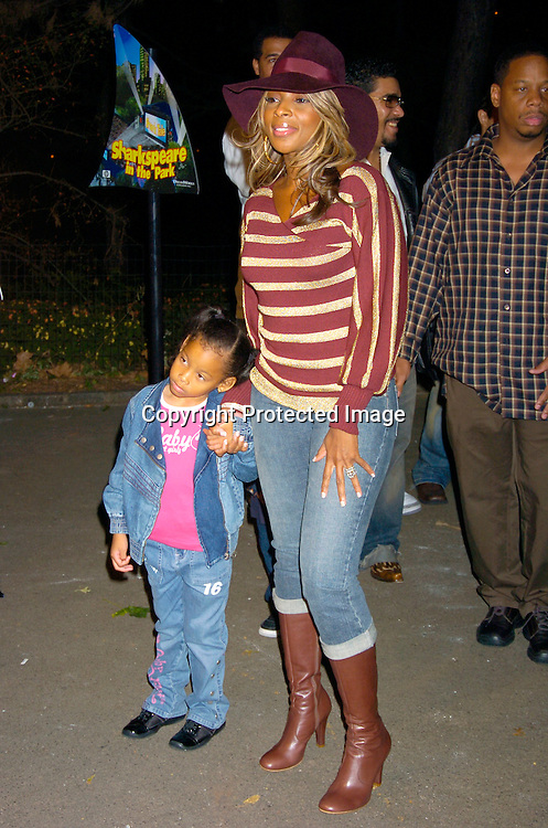 6673 Mary J Blige and daughter.jpg   Robin Platzer/Twin Images