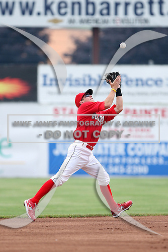 Batavia Muckdogs second baseman Matt Valaika (8) during a game vs. the State College Spikes at Dwyer Stadium in Batavia, New York June 27, 2010.   State College defeated Batavia 4-2.  Photo By Mike Janes/Four Seam Images