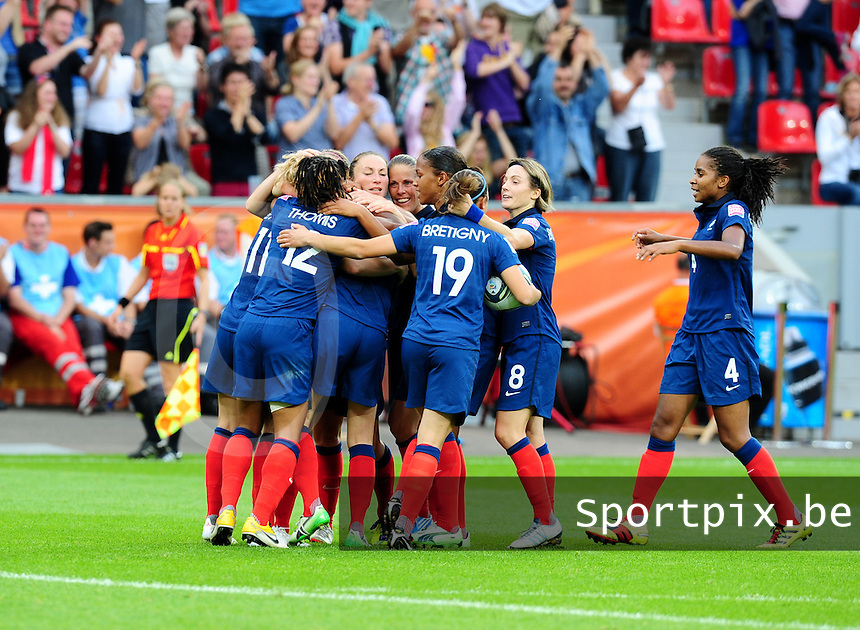 Fifa Women's World Cup Germany 2011 : England - France - at Leverkusen : vreugde bij de fransen en Gaetane Thiney , Sabrina Viguier , Sonia Bompastor en Laura Georges.foto DAVID CATRY / Vrouwenteam.be