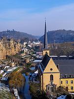 Brücke Stierchen über Alzette und Abtei Neumünster in Grund, Luxemburg-City, Luxemburg, Europa, UNESCO-Weltkulturerbe<br /> Bridge Stierchen and Abbey Neumünster in Grund, Luxembourg City, Europe, UNESCO Heritage