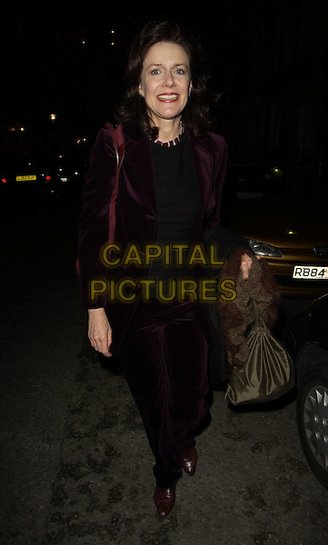 "BELINDA LANG.""Hay Fever"" gala evening at Theatre Royal Haymarket, London, UK..April 25th 2006 .Ref: CAN.full length purple suit green bag.www.capitalpictures.com.sales@capitalpictures.com.©Capital Pictures"