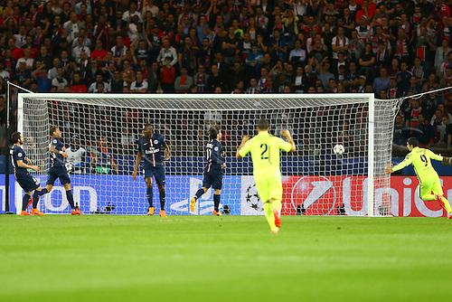 15.04.2015. Paris, France. UEFA Champions League football. QUarterfinal, first leg between PSG and Barcelona.  The first goal scored by Neymar da Silva Santos Junior (Barca) 0-1