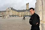 """20081001 - France - Bourgogne - Dijon<br /> JEAN-PIERRE BILLOUX ET SON FILS ALEXIS (LA RELEVE) A LA TETE DU RESTAURANT """"LE PRE AUX CLERCS"""", PLACE DE LA LIBERATION A DIJON.<br /> Ref : BILLOUX_007.jpg - © Philippe Noisette."""