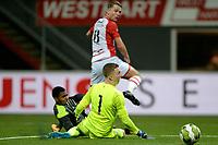 EMMEN - Voetbal, FC Emmen - Jong PSV, Jens Vesting, Jupiler League, seizoen 2017-2018, 13-10-2017,  FC Emmen speler Cas Peters scoort 2-1