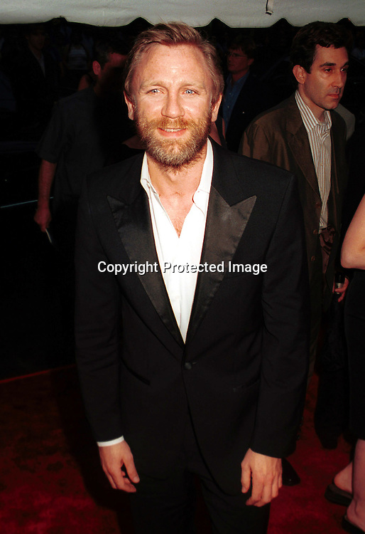 "©2002 ARIEL RAMEREZ_HUTCHINS PHOTO.""ROAD TO PERDITION ""PREMIERE.ZIEGFELD  THEATRE, NY., NY 7/9/02.CRAIG DANIEL"