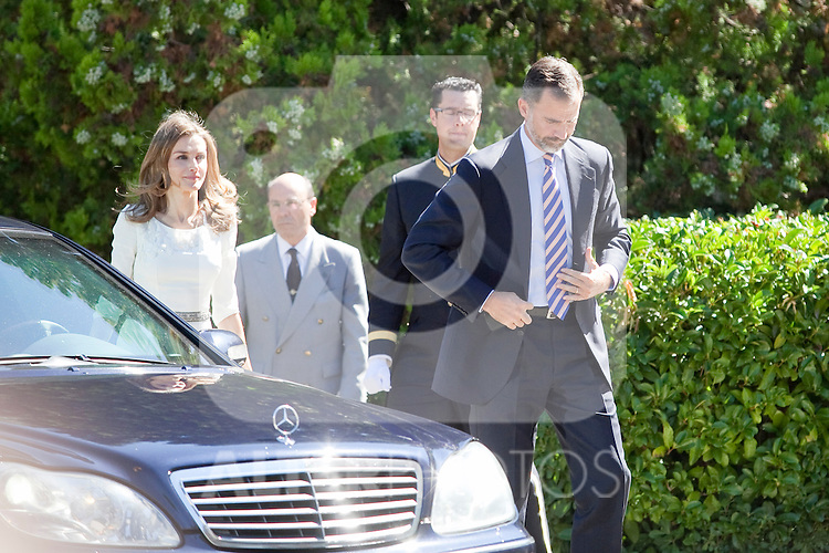 Prince Felipe of Spain (L) and Princess Leticia of Spain (R) receive King Willem-Alexander of The Netherlands and Queen Maxima of The Netherlands at Zarzuela Palace on September 18, 2013 in Madrid, Spain. (Victor J Blanco/Alterphotos)