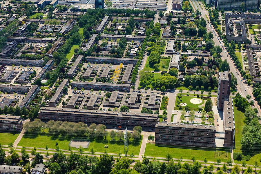 Nederland, Noord-Brabant, Eindhoven, 27-05-2013; stadsdeel Woensel-Noord, wijk Ontginning, buurt &rsquo;t Hool.<br /> De woonbuurt met verschillende woningtypes is tussen 1968 en 1972 gerealiseerd en geldt als toonbeeld van de wederopbouw architectuur en stedenbouw. Architect Jaap Bakema.<br /> Residential area in Eindhoven with various housing types realized between 1968 and 1972. The design is considered a model of architecture and urban reconstruction. Architect Jaap Bakema.<br /> luchtfoto (toeslag op standard tarieven)<br /> aerial photo (additional fee required)<br /> copyright foto/photo Siebe Swart