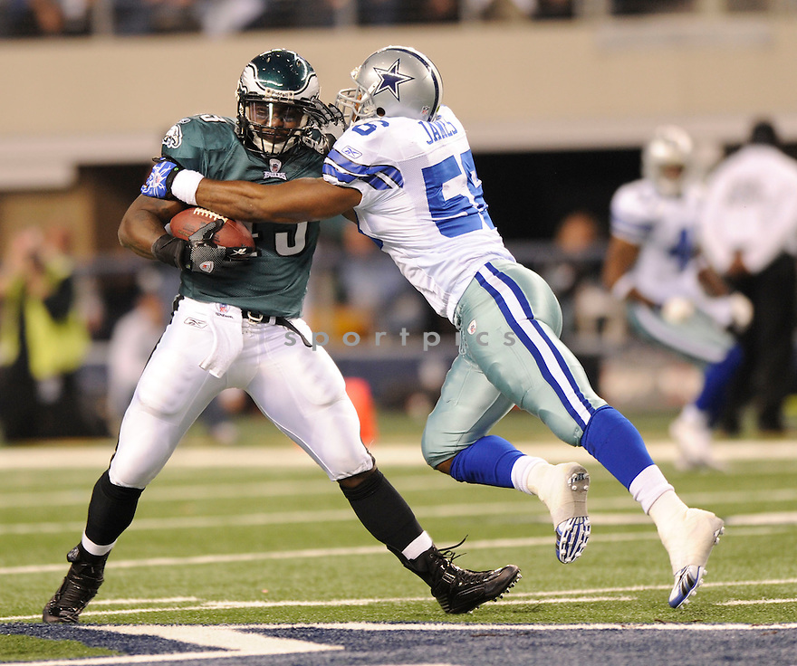 LEONARD WEAVER, of the Philadelphia Eagles, in action during the Eagles game against the Dallas Cowboys on January 9, 2010 in Arlington, Texas. Cowboys won 34-14.
