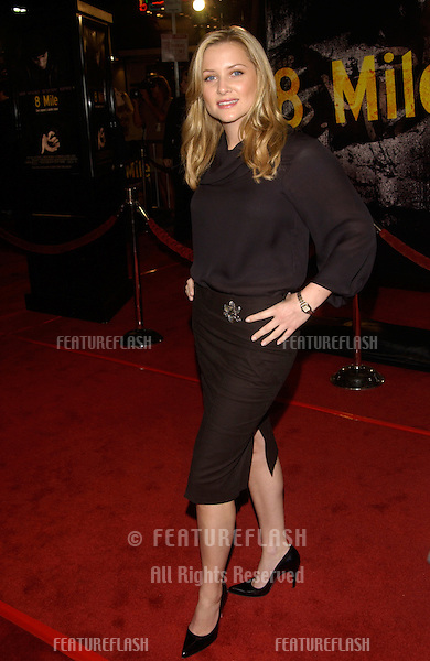 Actress JESSICA CAPSHAW at the world premiere of 8 Mile, in Los Angeles..06NOV2002.  © Paul Smith / Featureflash