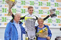 INLINESKATEN: HALLUM: 07-09-2013, KPN Dutch Open Inline 100km, Robert Post winnaar Willem Poelstra trofee (fam. Poelstra), ©foto Martin de Jong