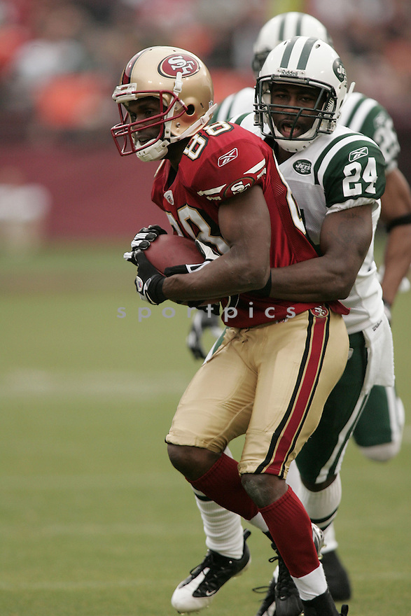 ISAAC BRUCE, of the San Francisco 49ers  , in action  during the Jets game against the New York Jets on December 7, 2008 in San Francisco, CA...49ers win 24-14