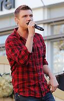 11 NOVEMBRE 2012 - LOS ANGELES - ETATS-UNIS - NICK CARTER EN REPETITION POUR LEUR PERFORMANCE LORS DE L'ILLUMINATION DE L' ARBRE DE NOEL DE THE GROVE (KDENA/NortePhoto)