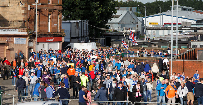 Rangers fans making their way to the stadium from the subway or the Louden Tavern