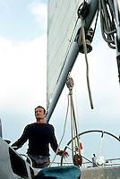 Éric Tabarly sur Pen Duick VI, 1976. Vainqueur de la Transat en solitaire.