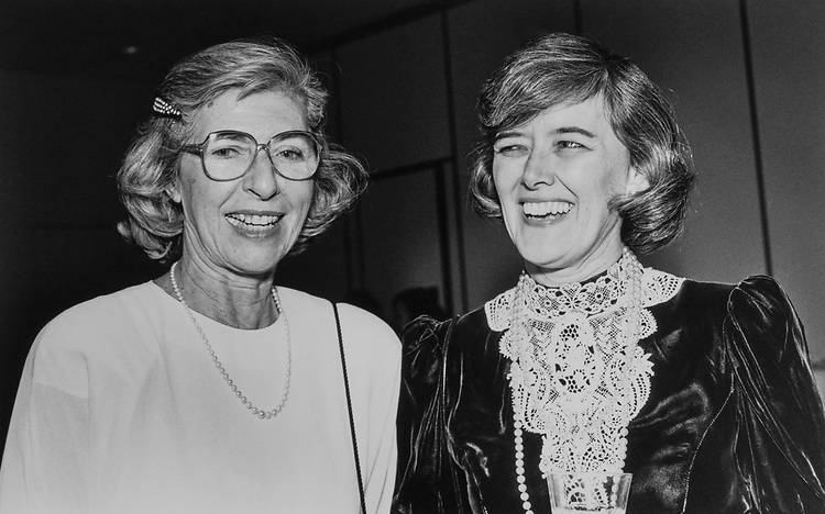 Rep. Patricia Schroeder, D-Colo., with Jeanne Simon on Dec. 7, 1989. (Photo by Laura Patterson/CQ Roll Call)