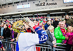 Stockholm 2015-03-13 Bandy SM-final herrar Sandvikens AIK - V&auml;ster&aring;s SK :  <br /> Karebys Linnea Gunnarsson kysser SM-pokalen efter matchen mellan Sandvikens AIK och V&auml;ster&aring;s SK <br /> (Foto: Kenta J&ouml;nsson)<br /> Nyckelord:  SM SM-final final Bandyfinal Bandyfinalen Dam Damer Dambandy AIK Kareby IS jubel gl&auml;dje lycka glad happy