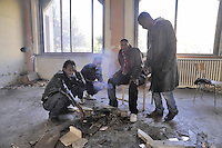 - a group of fugitives and political refugees from Eastern Africa countries, without assistance, while on the books with residence permits, occupy an abandoned residence in Bruzzano (Milan)<br /> <br /> - un gruppo di  profughi e rifugiati politici da paesi dell'Africa Orientale, senza assistenza pur essendo in regola con i permessi, occupano un residence abbandonato a Bruzzano (Milano)