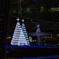 Albero di natale di luce<br /> Christmas lighting tree<br /> <br /> #6d, #photooftheday #picoftheday #bestoftheday #instadaily #instagood #follow #followme #nofilter #everydayuk #canon #buenavistaphoto #photojournalism #flaviogilardoni <br /> <br /> #london #uk #greaterlondon #londoncity #centrallondon #cityoflondon #londontaxi #londonuk #visitlondon