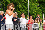 Jessie Buckley singing at her homecoming Friday evening   Copyright Kerry's Eye 2008