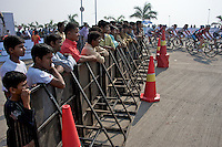 Crowd witnesses India's first international cycling event - 2010 Tour of Mumbai Cyclothon - India