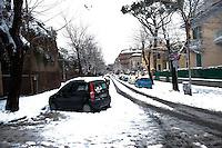 Roma 4 Febbraio 2012.Nevicata a Roma, il quartiere San Lorenzo.Snowfall in Rome, the district of San Lorenzo..Rome 4rd February 2012