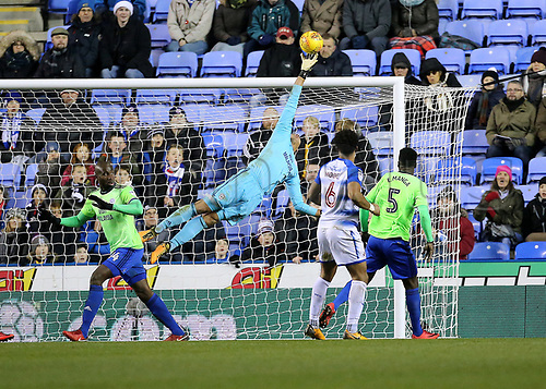 11th December 2017, Madejski Stadium, Reading, England; EFL Championship football, Reading versus Cardiff City; Cardiff City Goalkeeper Neil Etheridge tips a Reading shot over the bar in the 93rd minute