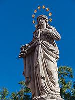 Brunnenfigur am Lainplatz in Imst, Tirol, &Ouml;sterreich, Europa<br /> fountain figure at Lainplatz, Imst, Tyrol, Austria, Europe