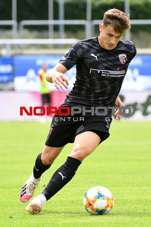 28.06.2020, Hänsch-Arena, Meppen, GER, 3.FBL, SV Meppen vs. FC Ingolstadt 04 <br /> <br /> im Bild<br /> Dennis Eckert (FC Ingolstadt 04, 7) am Ball.<br /> <br /> DFL REGULATIONS PROHIBIT ANY USE OF PHOTOGRAPHS AS IMAGE SEQUENCES AND/OR QUASI-VIDEO<br /> <br /> Foto © nordphoto / Paetzel