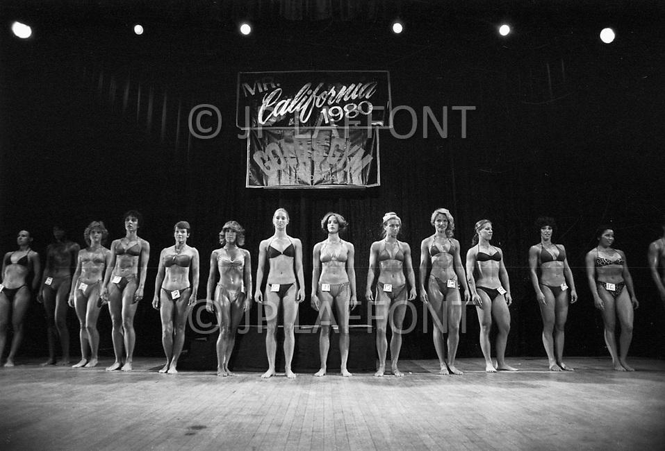 Los Angeles, 1980. <br /> California Women's Bodybuilding Championship.