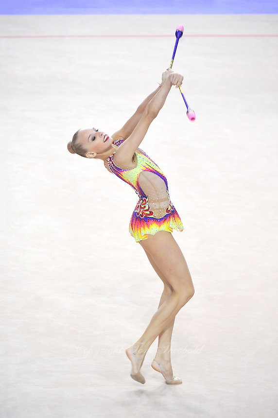September 25, 2014 - Izmir, Turkey -  YANA KUDRYAVTSEVA of Russia performs at 2014 World Championships.