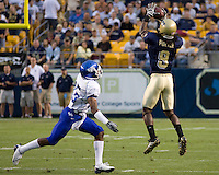 September 06, 2008: Pitt wide receiver T.J. Porter (#9) makes a catch. The Pitt Panthers defeated the Buffalo Bulls 27-16 on September 06, 2008 at Heinz Field, Pittsburgh, Pennsylvania.