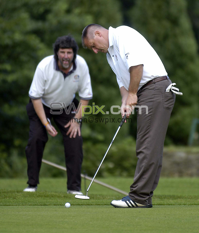 Pix by BEN DUFFY/SWpix.com - Golf, the Jewells at Ilkley golf course...08/07/05..Picture Copyright >> Simon Wilkinson >> 07811267706..Wigan manager, Paul Jewell and his golf mad son, Sam spend the afternoon on Ilkley Golf course with News of the World journalist, Geoff Sweet