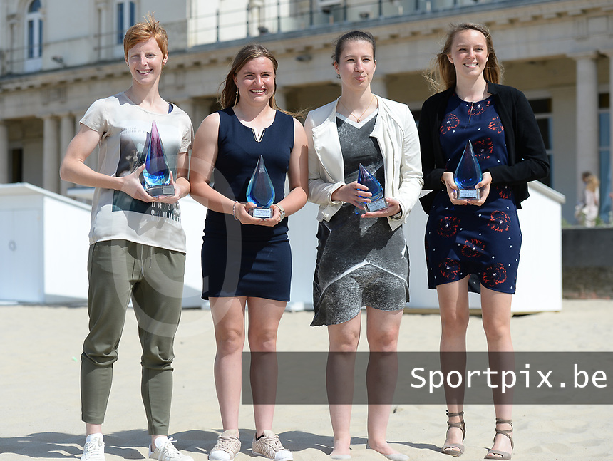20170604 – OOSTENDE , BELGIUM : Best promising player Davinia Vanmechelen , Best player Lien Mermans , superleague topscorer Sanne Schoenmakers and Best goalkeeper Lisa Lichtfus (r) pictured during the 3nd edition of the Sparkle award ceremony , Sunday 4 June 2017 , in Oostende . The Sparkle  is an award for the best female soccer player in the Belgian Superleague and 1st division during the season 2016-2017 comparable to the Golden Shoe or Boot / Gouden Schoen / Soulier D'or for Men in Belgium . PHOTO SPORTPIX.BE | DAVID CATRY