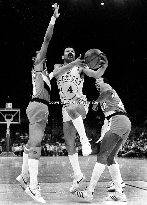 Warriors John Lucas against the Portland Trailblazers.<br />(1980 photo/Ron Riesterer)