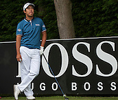 24.05.2015. Wentworth, England. BMW PGA Golf Championship. Final Round. Byeong Hun An [KOR] waits to tee off 18th hole during the final round of the 2015 BMW PGA Championship from The West Course Wentworth Golf Club. Byeong Hun An [KOR] won the BMW PGA with a score of 21 under par.