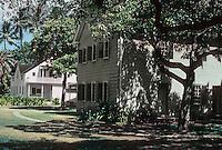Honolulu: Chamberlain House, foreground; frame house, background. Photo '82.