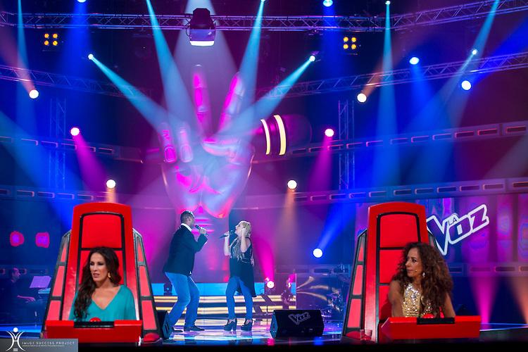 """Still Camera in TV for Magacine """"La Voz""""."""