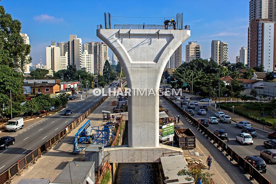 Obras de construçao do monotrilho do metro. Sao Paulo. 2013. Foto de Alf Ribeiro.