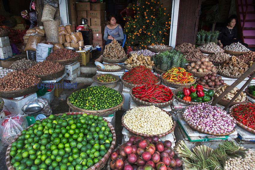 Fruit and vegetable market, Hanoi, Vietnam