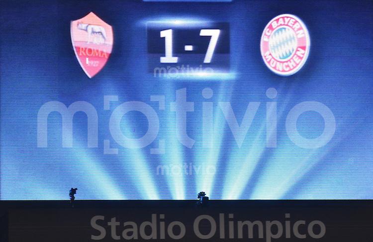 FUSSBALL   CHAMPIONS LEAGUE   SAISON 2014/2015   Vorrunde AS Rom 1-7 FC Bayern Muenchen        21.10.2014 Anzeigentafel mit dem Ergebnis und allen Faktenim Olympia Stadion in Rom