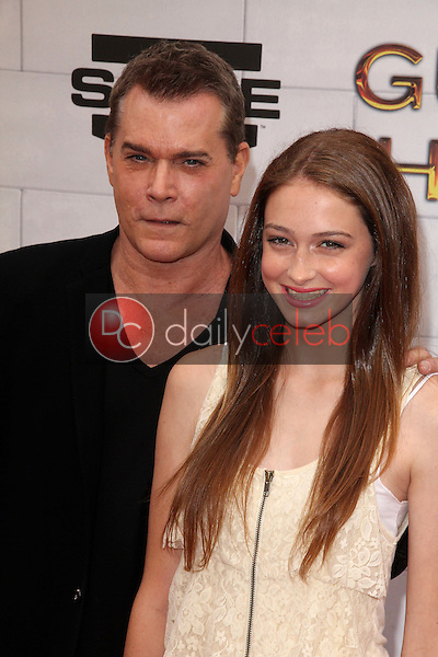 Ray Liotta and daughter<br />