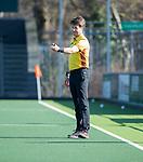 AMSTELVEEN -  scheidsrechter   tijdens   de oefenwedstrijd tussen Amsterdam en Laren dames   COPYRIGHT KOEN SUYK