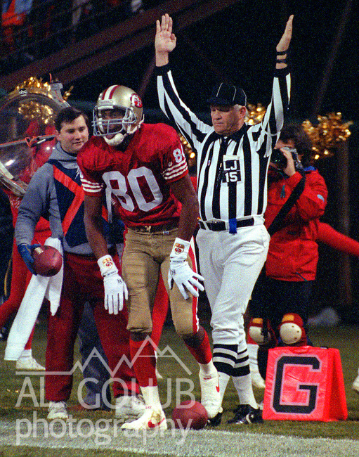 San Francisco 49ers vs. Chicago Bears at Candlestick Park Monday, December 23, 1991.  49ers beat Bears 52-14.  49er wide receiver Jerry Rice (80) makes touchdown.