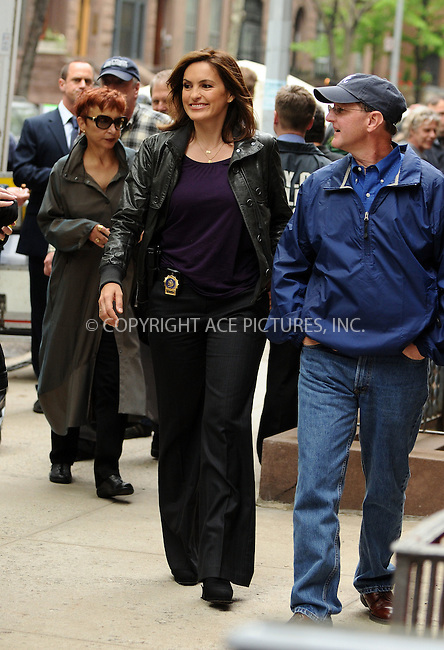 WWW.ACEPIXS.COM . . . . .  ....May 1 2009, New York City....Actress Mariska Hargitay was on the set of the TV show 'Law and Order SVU' in Manhattan on May 1 2009 in New York City....Please byline: AJ Sokalner - ACEPIXS.COM..... *** ***..Ace Pictures, Inc:  ..tel: (212) 243 8787..e-mail: info@acepixs.com..web: http://www.acepixs.com