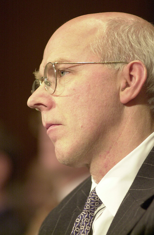 RC20000229-403-IW: February 29, 2000: Lobbyist Tomothy Boggs at the AOL-Time Warner merger Judiciary Hearing.           Ian Wagreich/Roll Call