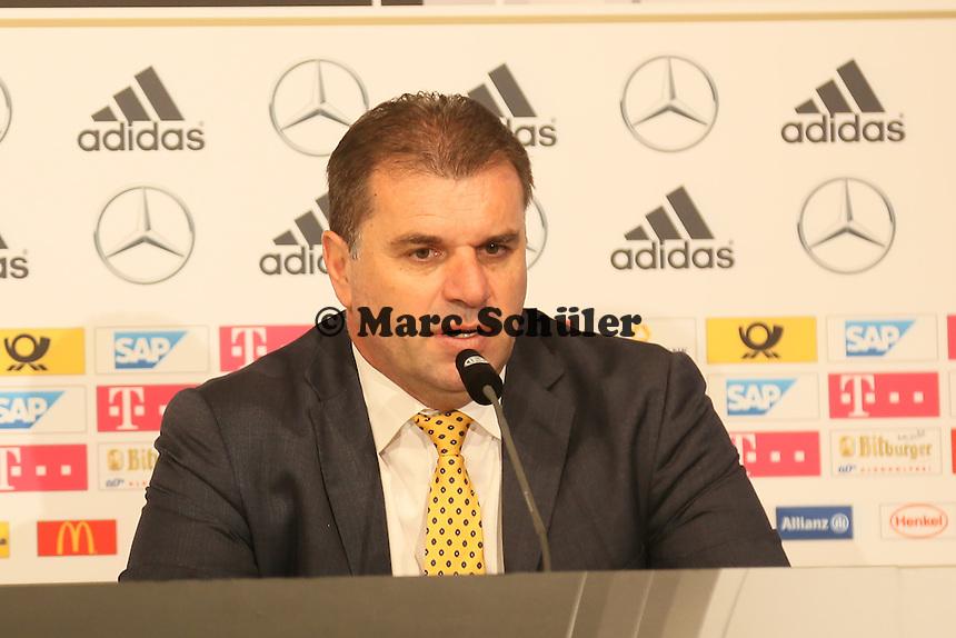 Trainer Ange Postecoglou (AUS) - Deutschland vs. Australien, Fritz-Walter-Stadion Kaiserslautern