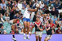 David Fusitua claims a kick. Sydney Roosters v Vodafone Warriors, NRL Rugby League. Allianz Stadium, Sydney, Australia. 31st March 2018. Copyright Photo: David Neilson / www.photosport.nz