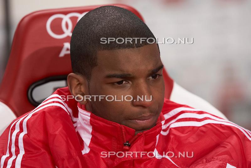 Nederland, Amsterdam, 11 maart 2006 .Eredivisie .Seizoen 2005-2006 .Ajax-PSV (0-0). .Ryan Babel van Ajax op de bank..