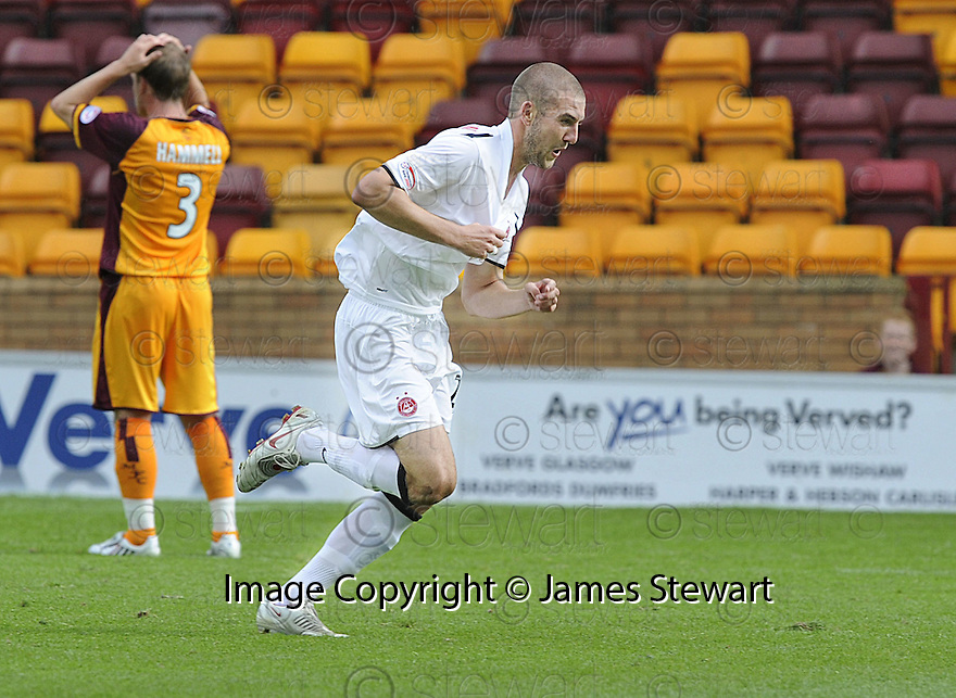 16/08/2008  Copyright Pic: James Stewart.File Name : sct_jspa13_motherwell_v_aberdeen.CHARLIE MULGREW CELEBRATES AFTER HE  SCORES ABERDEEN'S GOAL....James Stewart Photo Agency 19 Carronlea Drive, Falkirk. FK2 8DN      Vat Reg No. 607 6932 25.Studio      : +44 (0)1324 611191 .Mobile      : +44 (0)7721 416997.E-mail  :  jim@jspa.co.uk.If you require further information then contact Jim Stewart on any of the numbers above........